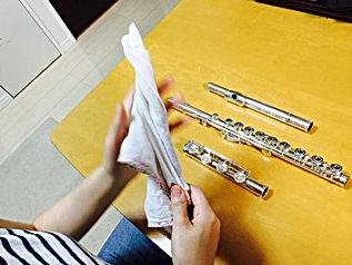 http://www.akiko-flute.com/フルートメンテナンスガーゼ巻き終わり