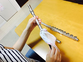 http://www.akiko-flute.com/フルートメンテナンス頭部管通し