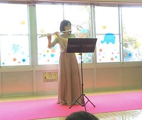 http://www.akiko-flute.com/プロフィールボランティア