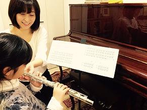 http://www.akiko-flute.com/トップ小学生指導