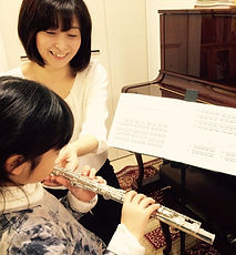 http://www.akiko-flute.com/レッスン小中学生
