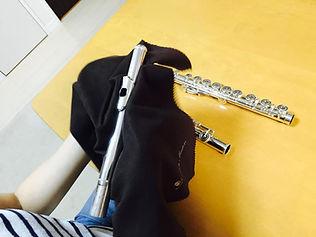 http://www.akiko-flute.com/フルートメンテナンスクロス拭き上げ