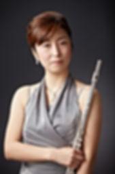 http://www.akiko-flute.com/トップ杉野明子写真