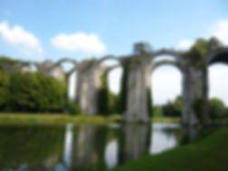 Aqueduc_chateau_Maintenon.jpg