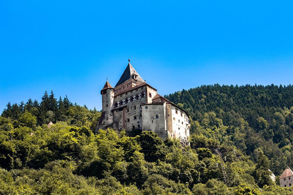 Castello di Trotsbug