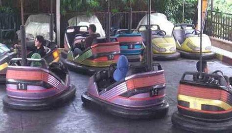 لعبة السيارات الكهربائية في منتزه ومسابح الواحة طولكرمم