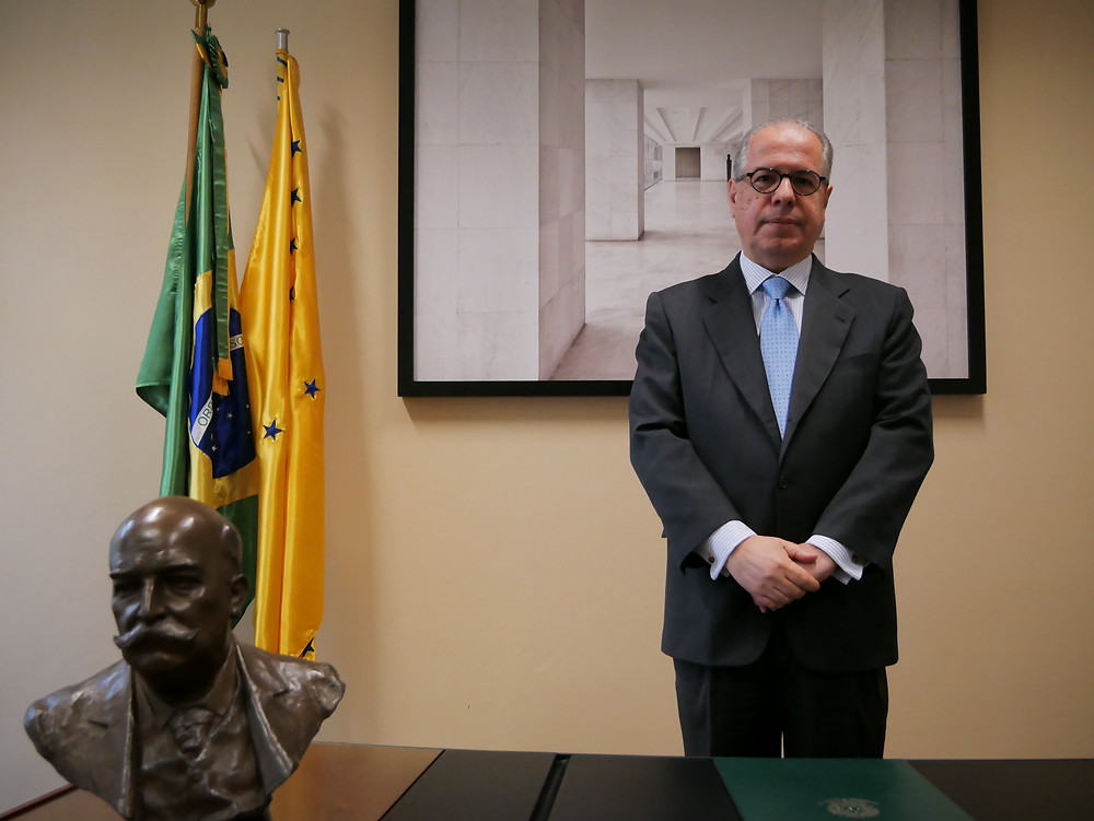 Embaixador do Brasil na Áustria, Ricardo Neiva Tavares.