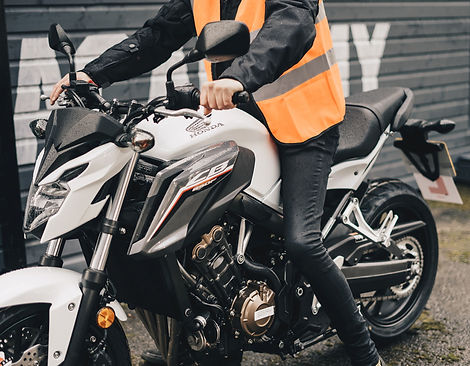 Weisses_Motorrad_verkleinert.jpg