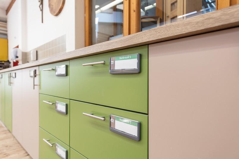 Neue Möbel TFBS Holztechnik