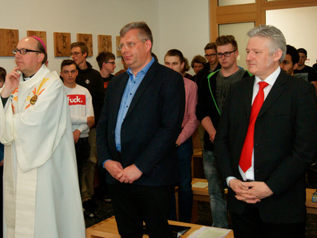 Bischofsbesuch in der TFBS-Holztechnik