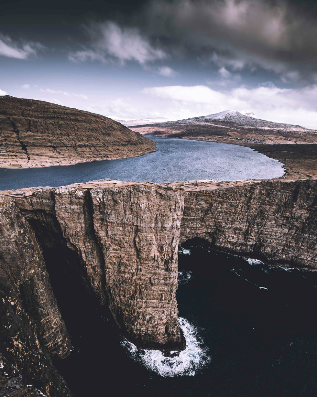 The floating lake in the Faroe islands