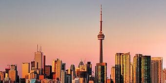 Toronto_skyline___sunset_(HDR).jpg