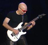 Joe_Satriani_2005.jpg