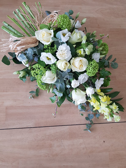 GREEN AND CREAM STRAW TIED TRIBUTE