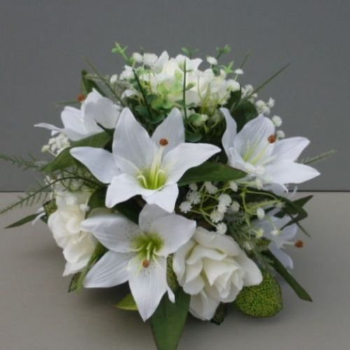LILLY BASED HAND POSY