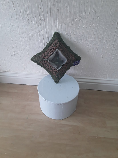 GRAVESIDE SQUARE PLANT HOLDER
