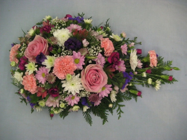 MIXED FLOWER TEARDROP POSY