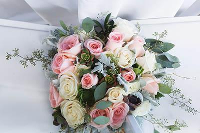 MIXED ROSE AND GREEN BRIDAL POSY