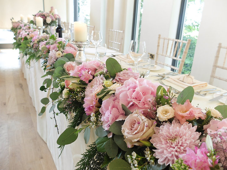 MIXED FLOWER TOP TABLE DISPLAY