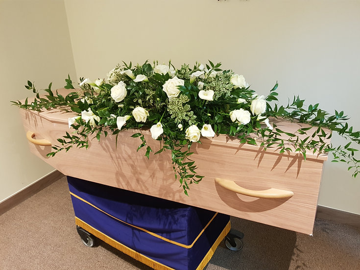 LUXURY ROSE, CALLA, LIZZIE AND MIXED GREEN WITH TRAILS