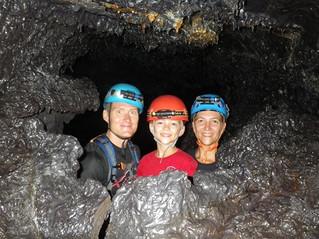 A la Réunion, tunnels de lave.