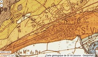 Une géologue à Saint-Vit.