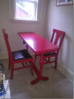Cafe table and 2 chairs