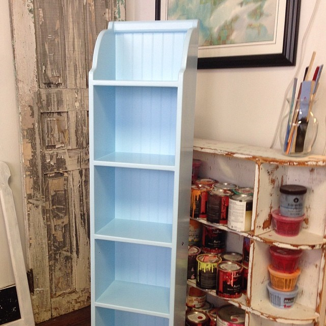Beadboard shelves