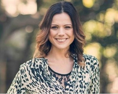 Rebecca Tapp, CEO & Founder of The SuperNova Tribe sharing her inspiring vision about wanting to change the world. Interviewed by Mona Saade