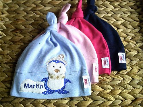 Mütze Baby mit aplizierten Pinguin und Wunsnamen