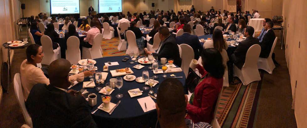 Desayuno de Cumplimiento para clientes en Panamá 2019