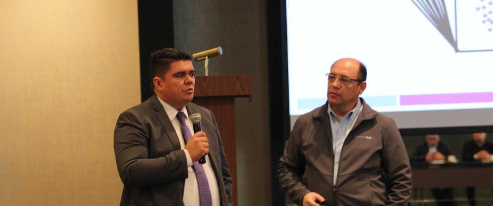 Ilian Vasco y Raúl Castellanos en Mesa de Discusión de PLD - Monitor Plus User Conference 2019