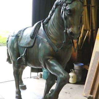 馬ブロンズ像
