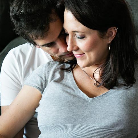 Romantic home maternity session