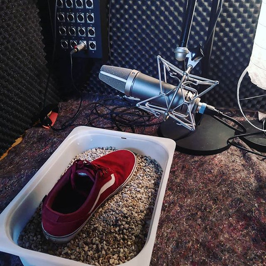 Footsteps recording with the trusty Neumann tlm67