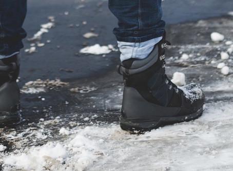 Guys Need Foot Love Too! 5 Reasons Men Should Get Pedicures
