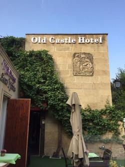 old castle hotel reklam