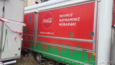 reklam avtomobil uzerinde coco cola.jpg