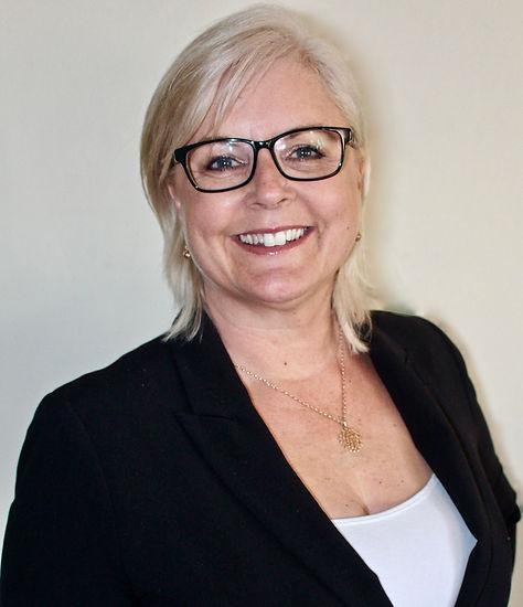 profile picture of Nina Sawyer