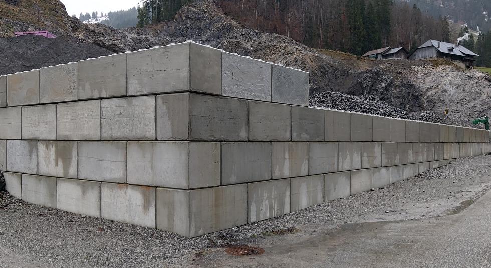 Legosteinmauer