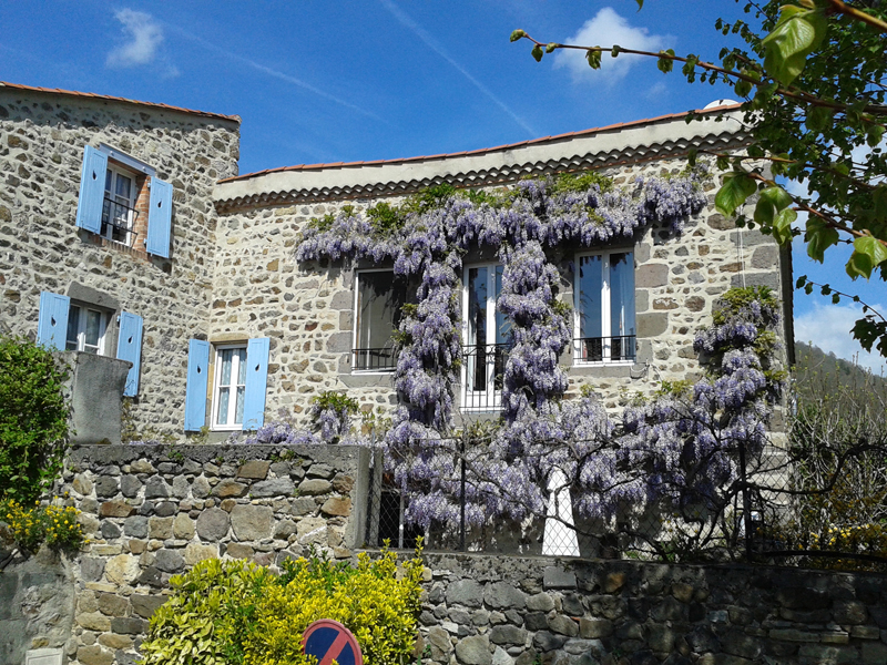 le_prieuré_au_printemps