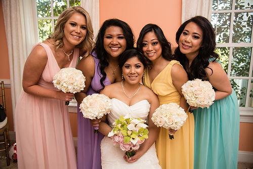 A beatiful pastel bridal party.