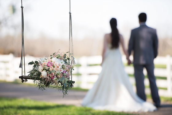 Planning and coordinating weddings in NoVA, DC and MD.