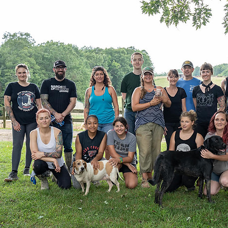 Pig Preserve Volunteers.jpg