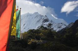 himalayas-tower-over-deboche_11301894654_o