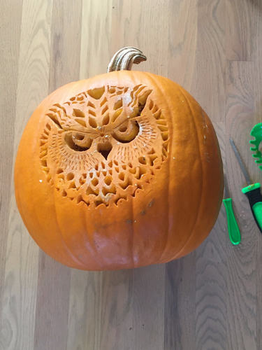 Lukas Pumpkin Carving Master 3