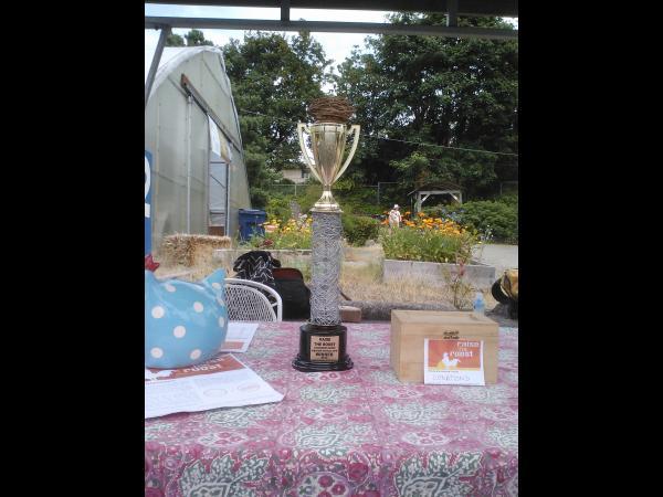 egg-nest-trophy_11430885853_o