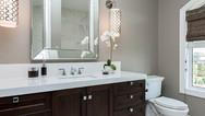 valentino_homes-hhl-bathroom3.jpg