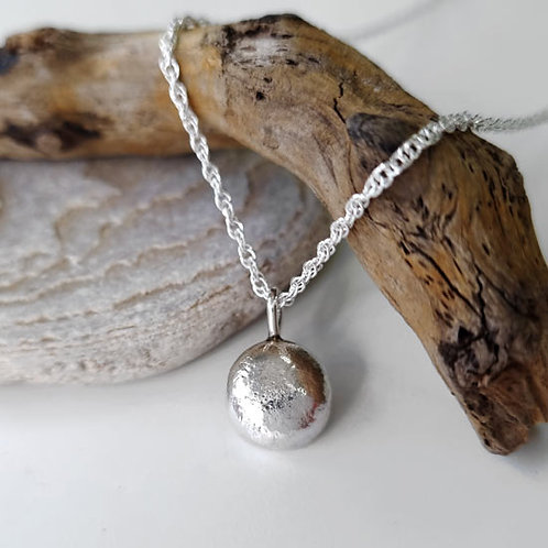 Molten Pendant Necklace