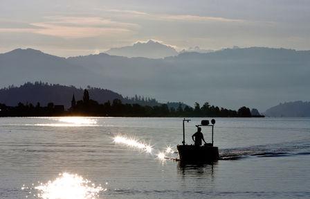 9_Morgeneinfahrt zum Bootsplatz, Hurden.